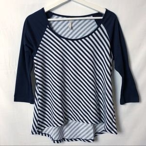 DNA Couture Navy & White Top Size Large.